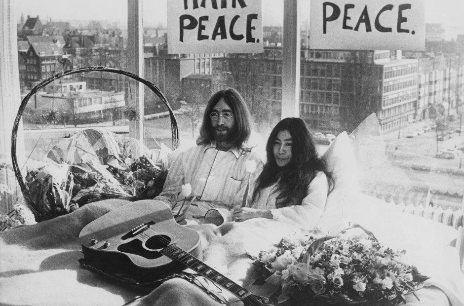 John Lennon Yoko Ono Bed In 1969
