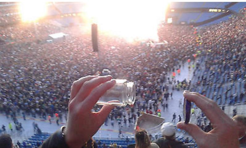 Air of Stone Roses gig Jar