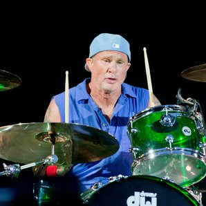 Red Hot Chili Peppers Chad Smith 2016
