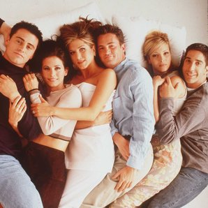 Friends cast in bed 1996