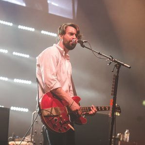 Liam Fray performing in 2016